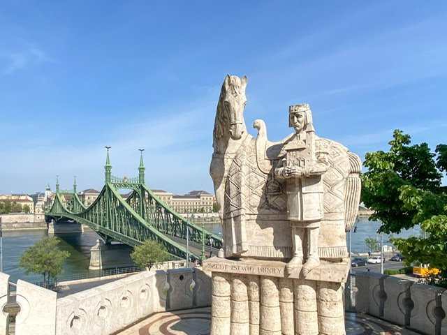 20 Quick and Cool Things to See and Do in Budapest