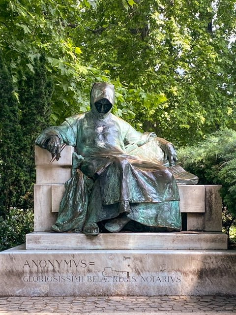 Statue of Anonymous in City Park, Budapest