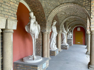 Statues in Bory Castle
