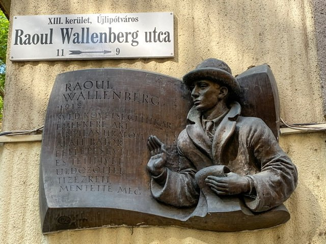 Wall plaque in Budapest honoring Raoul Wallenberg