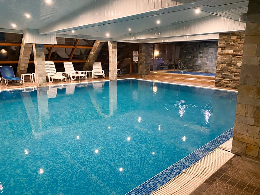 Indoor pool and spa at Redenka Holiday Club